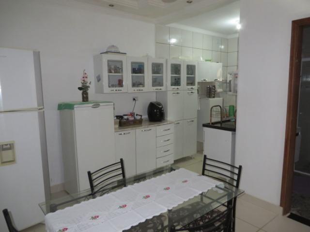 Vendo casa 3 quartos, uma suíte com churrasqueira. Estudo troca apartamento 3 quartos - Foto 12