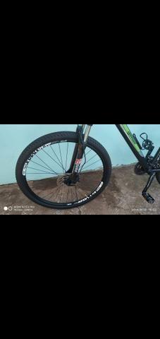 Vendo bike aro 29 freios hidraulicos - Foto 4