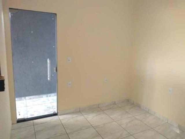 Casa Nova de meio lote Minha Casa Minha Vida (Todas as portas e janelas de blindes) - Foto 17