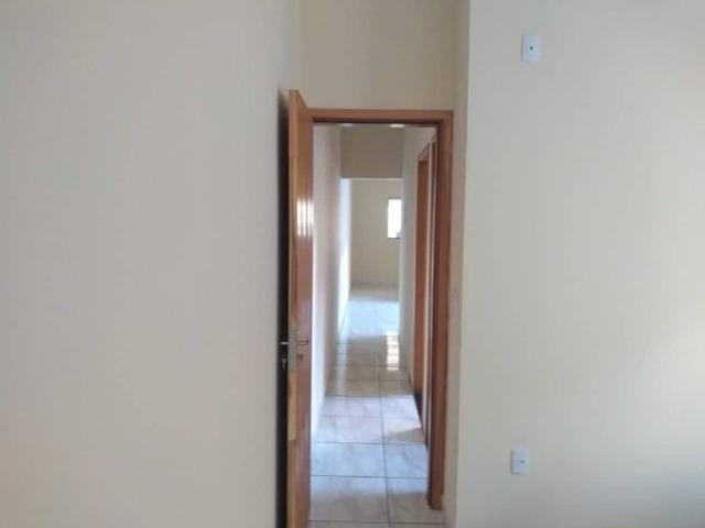 Casa Nova de meio lote Minha Casa Minha Vida (Todas as portas e janelas de blindes) - Foto 11