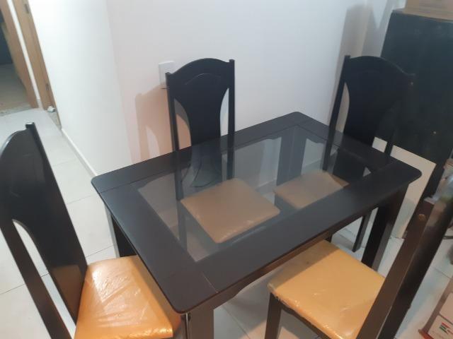 Mesa de Estar 4 cadeiras