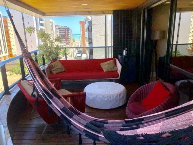 Apartamento com 180 metros, 3 suítes, mobiliado e decorado com vista para o mar