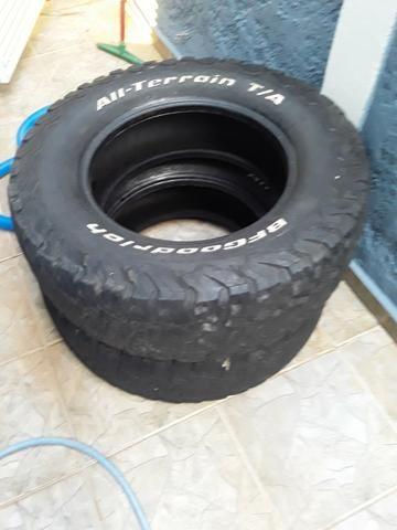 2 pneus bf 265/70/17 apenas 200 reais