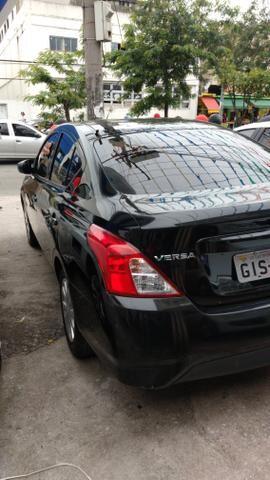 Nissan Versa ano 2018 entrada + parcelas R$ 829,00 fx cdc- gratis 2020 e gnv - Foto 4