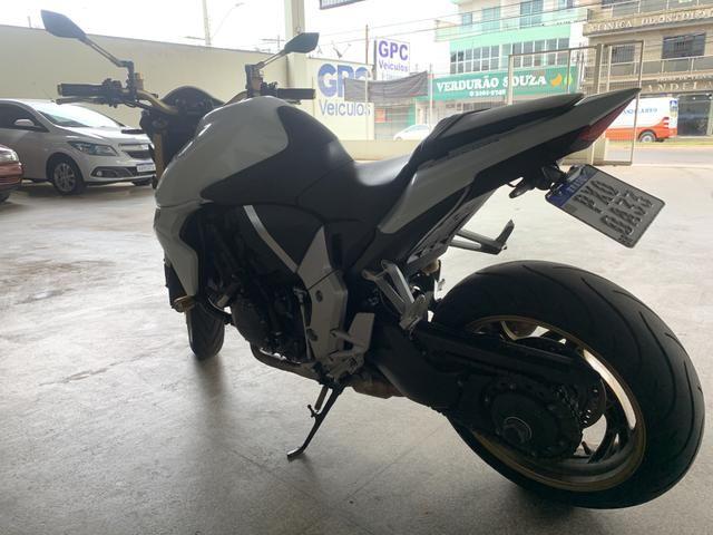 Honda CB1000r 15/15 com 11.950km - Foto 5