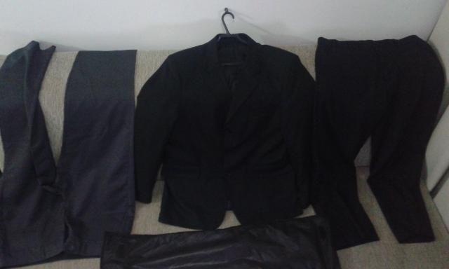 Vendo ou troco blazer N°54 e calças N°42 e 44 - Foto 2