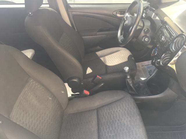 Etios Hatch XLS 1.5 - Foto 9