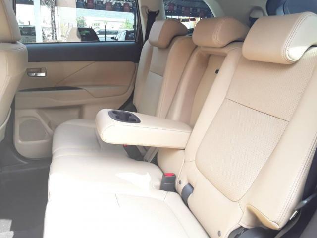 Mitsubishi Outlander 2.2 - Foto 8