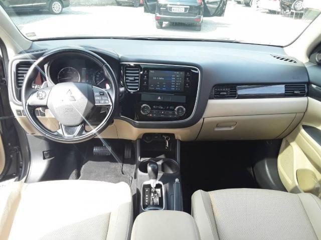 Mitsubishi Outlander 2.2 - Foto 11