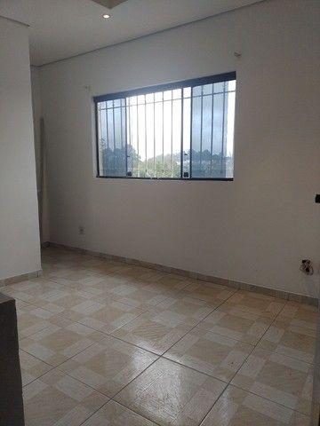 Aluga se salão de 150 metros quadrados com  três banheiros  por 3.000 abaixei  - Foto 8
