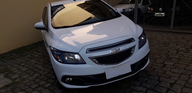 Onix LTZ 1.4 Flex Manual 2015 Branco - Foto 3