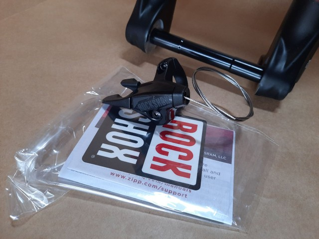 Suspensão Rock shox judy silver tk trava no guidao eixo boost 15x110 mtb - Foto 4