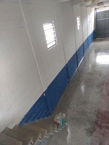 Aluga se salão de 150 metros quadrados com  três banheiros  por 3.000 abaixei  - Foto 11