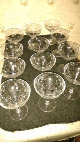 12 taças de champagne antigas de cristal lapidado