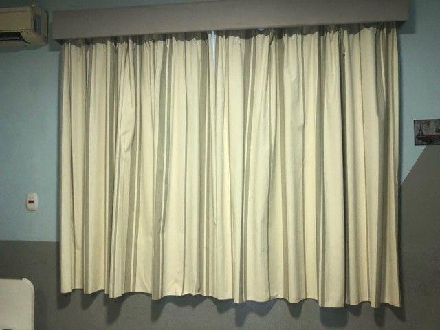 Dois jogos de cortinas