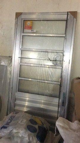 portas de madeira  - Foto 3