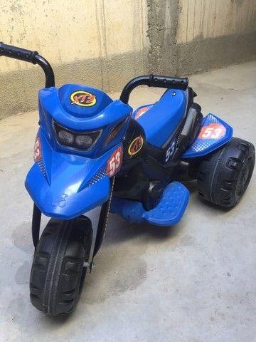 Moto elétrica XT3 Bandeirantes 6v - Azul e Preta