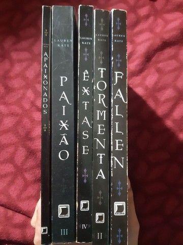 Saga de livros Fallen