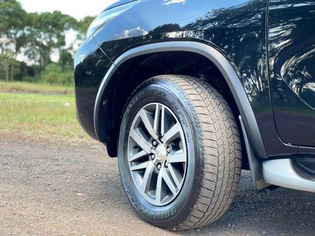 Toyota Hilux SW4 SRX 2.8 4x4 - 2017 - Foto 12