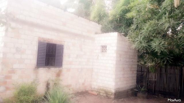Vendo casa bairro Área Verde