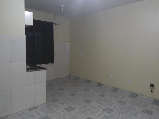 QNL Sobrado 4 kits mais casa de fundo renda de R$2.400 só 230mil aceita carro - Foto 9