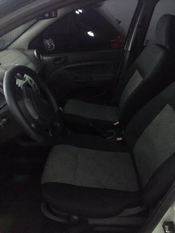 Fiesta Hatch 1.0 é Na World Car - Foto 6