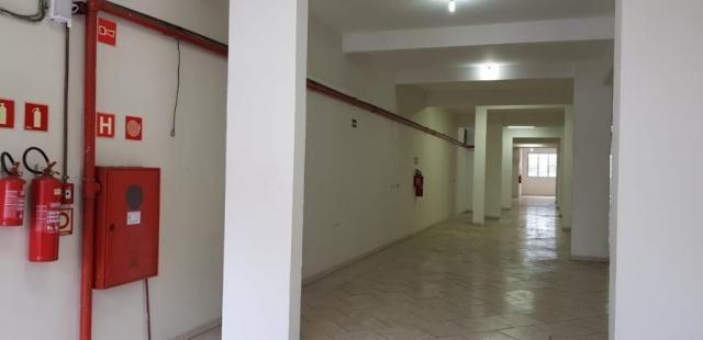 Salão comercial com 360 metros quadrados a 500 metros do metros carrão - Foto 4