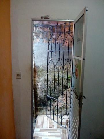 Linda casa térrea há um minuto da estação da lapa - Foto 3
