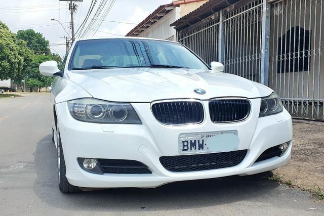 BMW 320 i caramelo