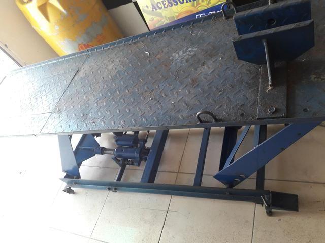 Elevador semi de moto penalmatico e hidráulico - Foto 3