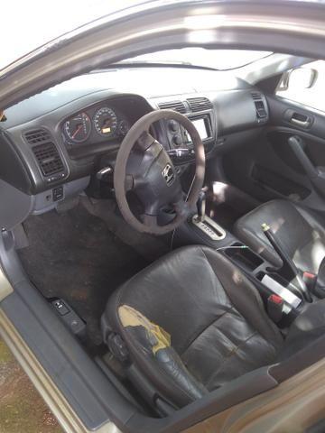 Vendo Honda Civic 2002 automático 7,200 - Foto 2
