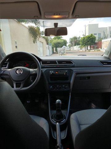 Volkswagen Novo Gol - Trend Line - 2016/2017 - Cor Prata - 4 portas - Foto 3