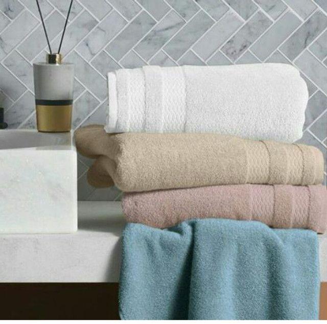 Vende-se conjunto de toalha em acompanhamento com a toalha de rosto - Foto 3
