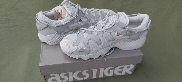 Tênis ASICS Tiger Gel-Mai Cinza/Prata n? 39 novo - Foto 6