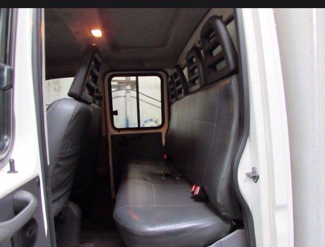 Caminhão baú  - Foto 5