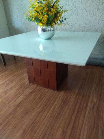 Mesa quadrada  com 8 cadeiras  novinha  - Foto 6