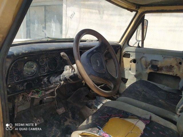 F 4000 ano 1986