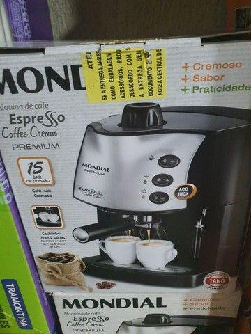 VENDO CAFETEIRA EXPRESSO  MONDIAL NOVA SEM USO