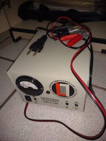 Carregador de baterias marca LUX-LUF - Foto 2