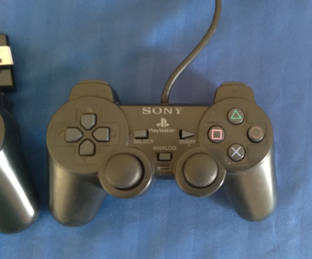 Par de controle ps2 Sony outro paralelo com defeitos  - Foto 2