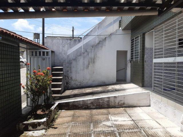 Belíssima Casa Espaçosa Com Cobertura 3 Vagas - Foto 19
