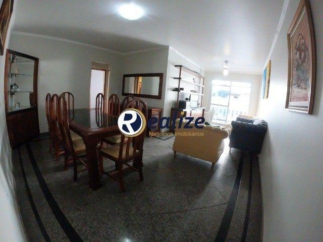 AP00699 Apartamento de frente para a rua com 03 quartos sendo 01 suíte na Praia do Morro