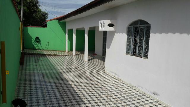 Esquina com 02 casas área construída total 250 m2