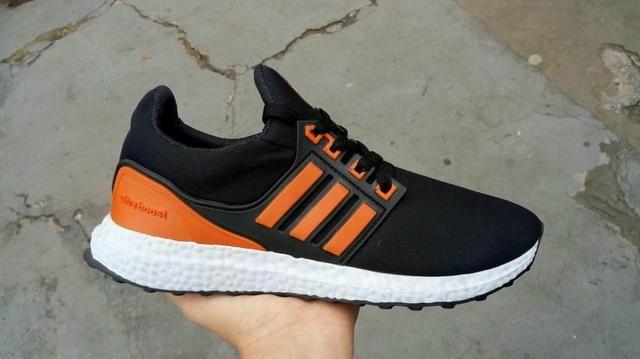 69bed40f69 Tênis Adidas ultra boost - Roupas e calçados - Res Santa Cruz