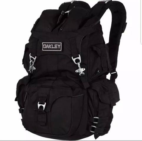 Mochila Oakley Mechanism Pack 9102b0c80b5