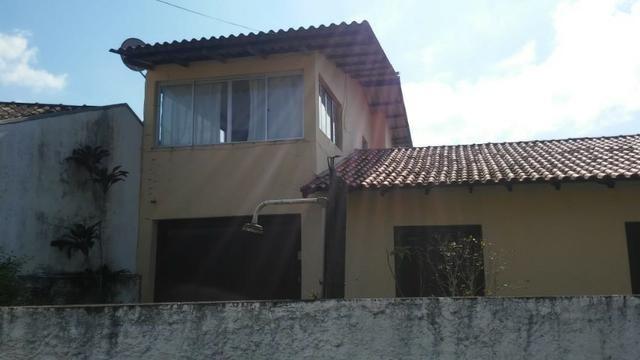 Casa mais Sobrado, Terreno esquina, R$ 450 mil