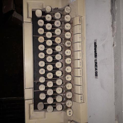 Máquina de escrever olivetti - Foto 5