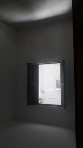 Casa 2;4 rua do espaco casa verde carro na porta - Foto 2