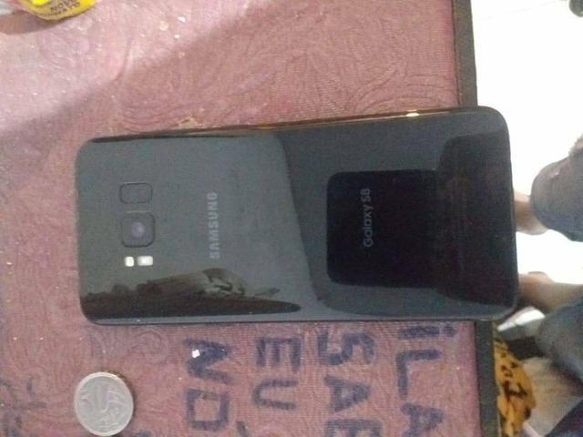 Vendo Galaxy S8 64gb, troco apenas por IPhone