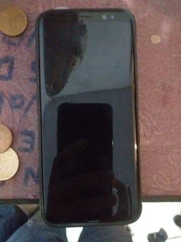 Vendo Galaxy S8 64gb, troco apenas por IPhone - Foto 2